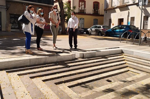 El concejal de Ciudadanos (Cs) en el Ayuntamiento de Sevilla, Lorenzo López Aparicio, en la Plaza de los Curtidores