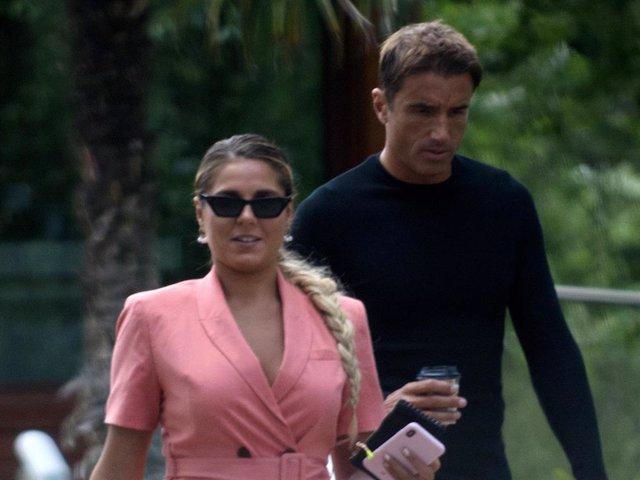 Ivana Icardi y Hugo Sierra salen de un restaurante tras disfrutar de una comida