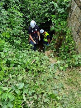 Rescate de un hombre caído desde un puente en Polaciones