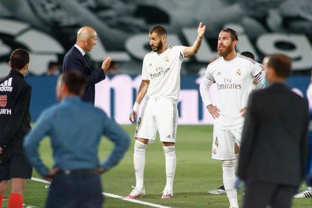 """Fútbol.- Zidane: """"Me molesta que al final se habla sólo de los árbitros, pero ga"""