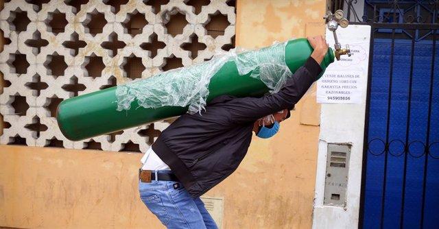 Coronavirus.- Perú supera los 8.000 fallecidos y el Gobierno descarta todavía re