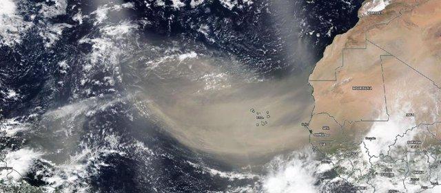 Penacho de polvo sahariano de 3.000 kilómetros observado el 18 de junio de 2020