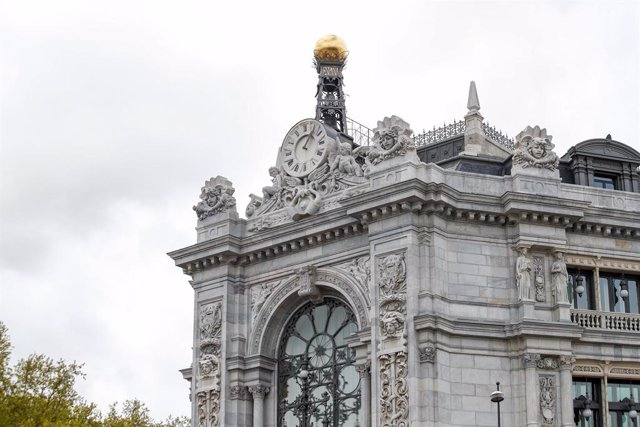 Fachada del Banco de España durante el primer día de la cuarta semana de estado de alarma decretado por el Gobierno para combatir el coronavirus, en Madrid (España) a 6 de abril de 2020.