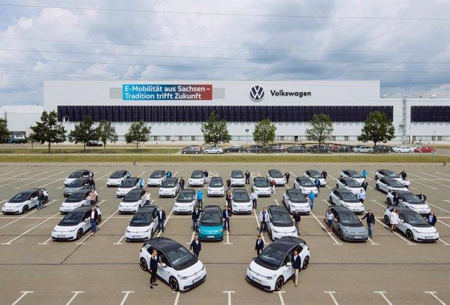 Imagen de los ID.3 de Volkswagen que probarán los empleados.