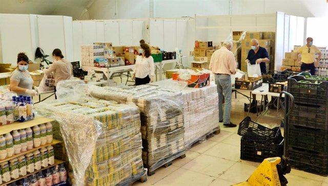 Málaga.- Coronavirus.- Estepona compra y reparte más de 10 toneladas de alimentos cada semana para familias vulnerables