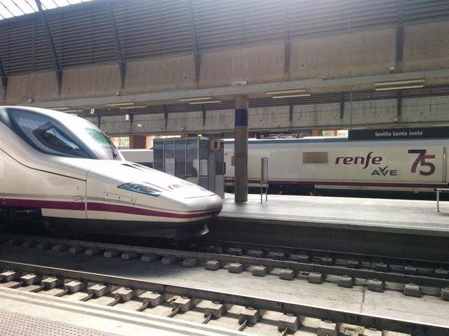 Tren AVE en la Estación de Santa Justa de Sevilla.