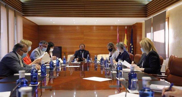 Reunión de la Junta de Portavoces y Mesa de las Cortes.