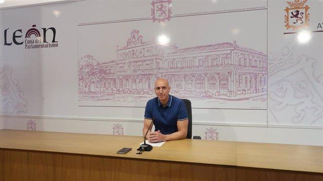 El alcalde de León, José Antonio Diez, en la rueda de prensa desarrollada este lunes.