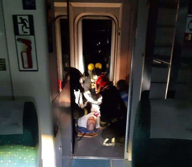 Momento del simulacro en un tren dentro de los túneles del tramo de alta velocidad Zamora-Pedralba de la Pradería.
