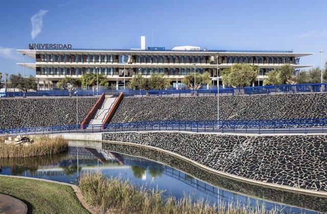 Imagen del campus de la Universidad Loyola en Dos Hermanas (Sevilla), en una imagen de archivo.