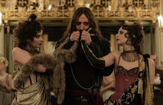 Rasputin lidera el nuevo y frenético tráiler de The Kings Man: La primera misión