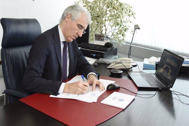 El conselleiro de Economía, Emprego e Industria, Francisco Conde, participa en una reunión telemática de la mesa industrial de As Pontes.