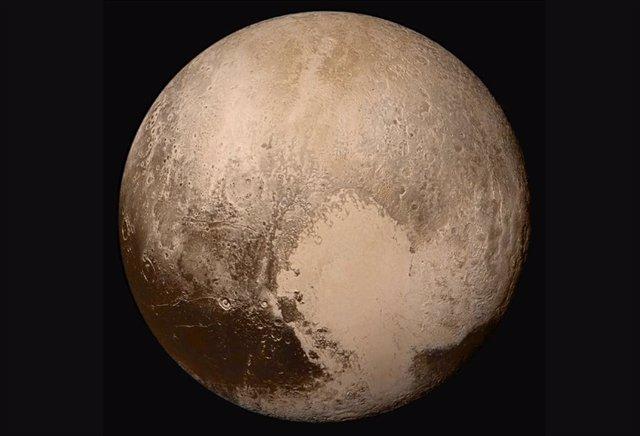 Plutón arrancó en caliente con océanos líquidos