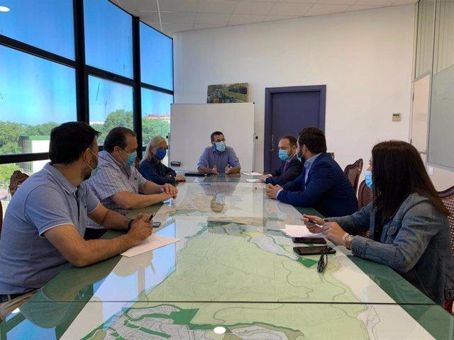 Reunión de la Junta con el Ayuntamiento de La Línea por los juzgados