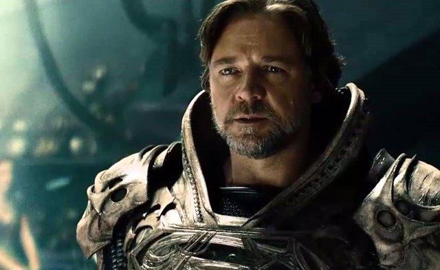 Russell Crowe es Jor-El en Man of Steel