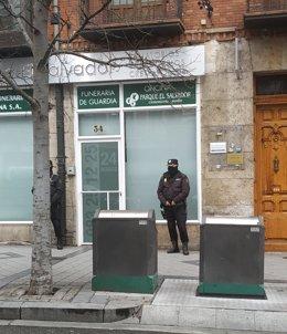 Trib.- La juez que investiga el caso de los ataúdes de Valladolid prorroga por o
