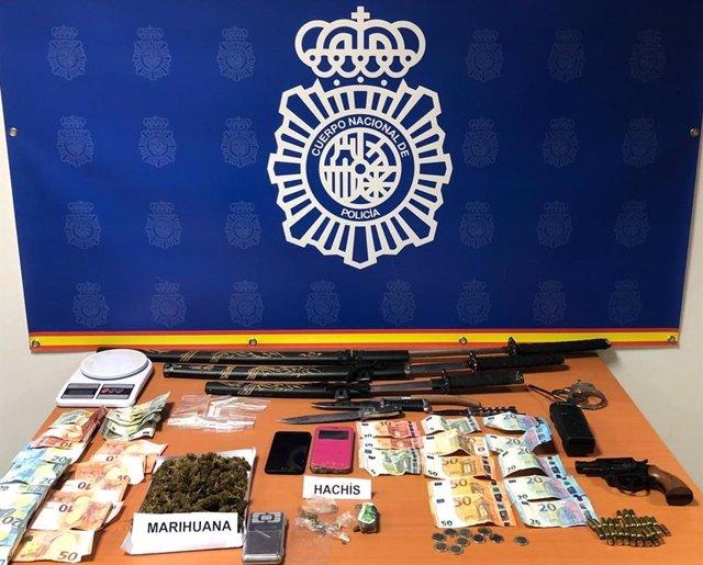 Nota De Prensa: Desmantelados En Algeciras Dos Puntos Muy Activos De Venta De Hachís Y Marihuana