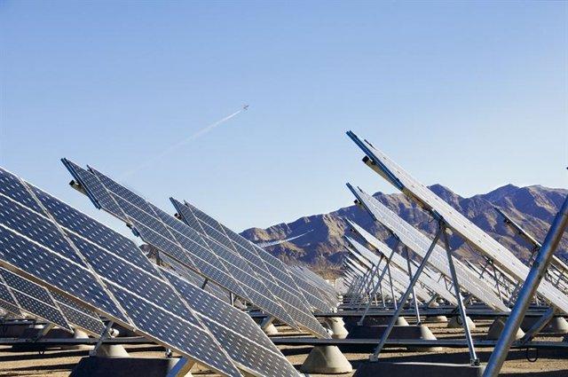 Aire más limpio por el confinamiento aumentó la energía solar