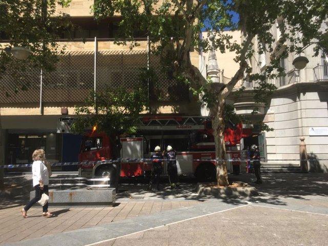 Actuación de los bomberos en una imagen de archivo.