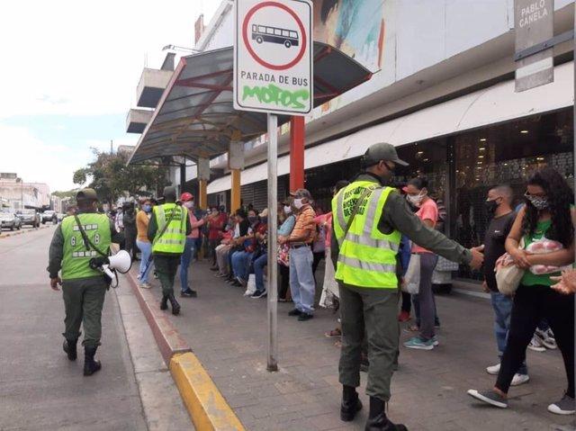 Venezuela.- Venezuela saca al Ejército a las calles para imponer las nuevas rest