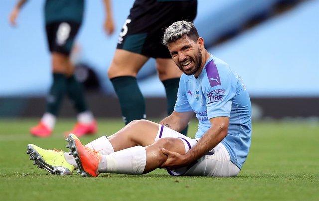 """Fútbol.- Guardiola, sobre la lesión del 'Kun' Agüero: """"No pinta bien, sintió alg"""