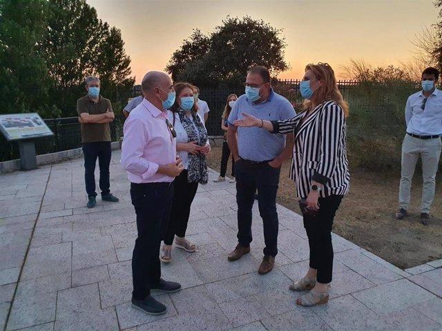 El alcalde recepciona la nueva iluminación de Proserpina
