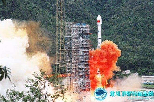 Lanzamiento del satélite 55 de la red de navegación Beidou de China