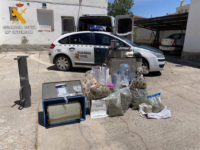 Detenidos en Lucillos en una operación de tráfico de drogas.