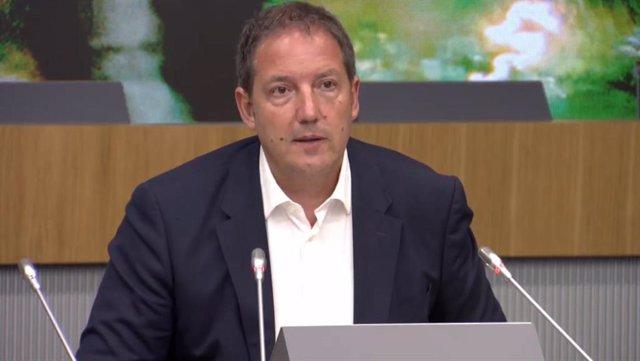El consejero delegado de Orange España, Laurent Paillassot, durante su intervención en la cumbre empresarial de CEOE