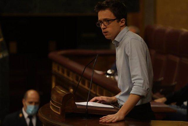 El líder de Más País, Íñigo Errejón, interviene durante el pleno celebrado en el Congreso de los Diputados