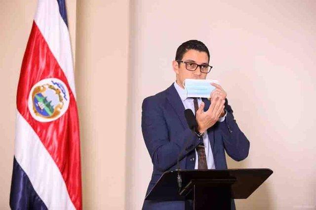 Coronavirus.- Costa Rica impone el uso de la mascarilla en transportes y espacio