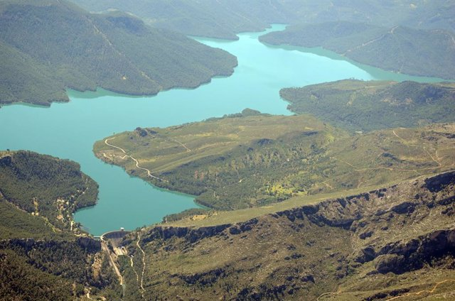 Los embalses del Guadalquivir bajan al 46,28% de capacidad y los de la Cuenca Me
