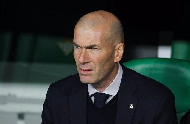 Zinédine Zidane durante un partido del Real Madrid en LaLiga Santander