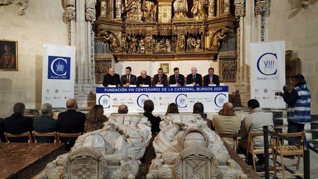 Pablo González Cámara, Ángel Ibáñez, Fidel Herráez, Javier Guillén, Daniel de la Rosa, Antonio Miguel Méndez Pozo y César Rico en la Catedral de Burgos