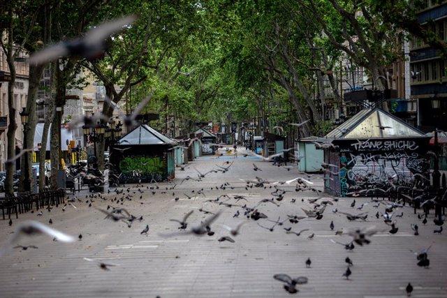 La Rambla de Barcelona, buida durant el confinament per coronavirus. A Barcelona, Catalunya, (Espanya), a 23 de abril de 2020.
