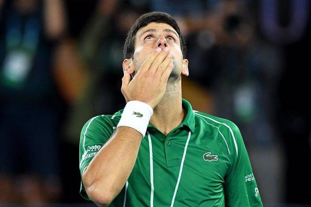 AMP.- Tenis.- Djokovic y su esposa dan positivo por coronavirus tras el polémico