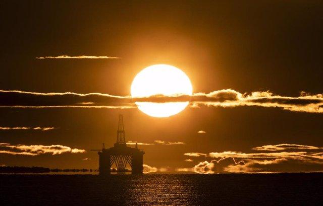 Plataforma de exploración petrolera