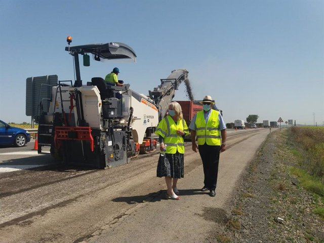 Mercedes Colombo visita las obras de la carretera A-471