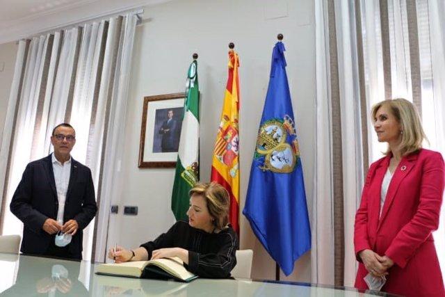 Sandra García visita la Diputación de Huelva.
