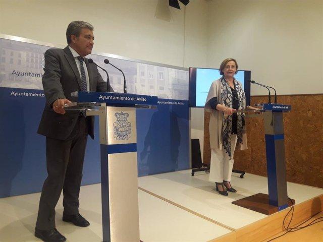 El presidente de Sepides, Antonio Cervera, y la alcaldesa de Avilés, Mariví Monteserín