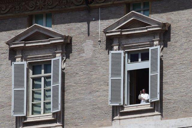 Cvirus.- El Papa llama al alcalde de Pesaro y agradece la labor de los sanitario