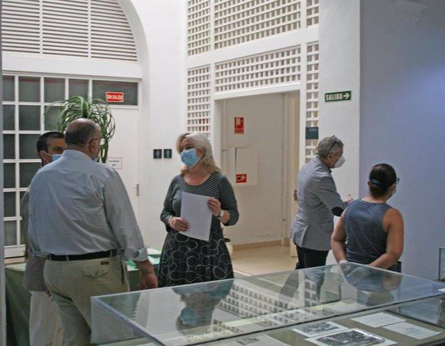 Mercedes Colombo en la reapertura de la exposición '1980-2020. 40 años de Referéndum de Andalucía' en el Archivo Histórico Provincial