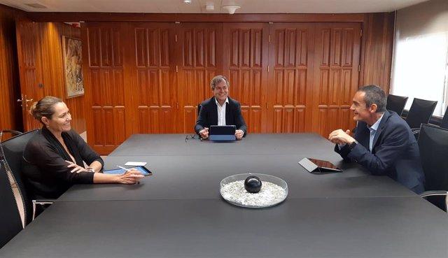 José Manuel Martín, director regional de BBVA en Canarias, junto a Francisco Jerez y Guadalupe Hernández, el ex director territorial y ahora director territorial Sur de BBVA y la recién nombrada directora territorial de BBVA en Canarias