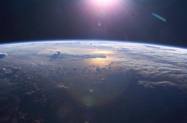 La NASA comprará asientos para su personal en misiones suborbitales