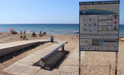 Benidorm habilita baño y paseos por la orilla a primera hora y amplía aforo de playas hasta 33.000 personas
