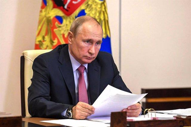 Coronavirus.- Putin sube los impuestos a los más ricos al tiempo que defiende la