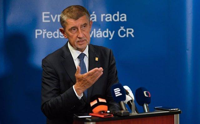 R.Checa.- La Eurocámara pide al primer ministro cesar las presiones a eurodiputa