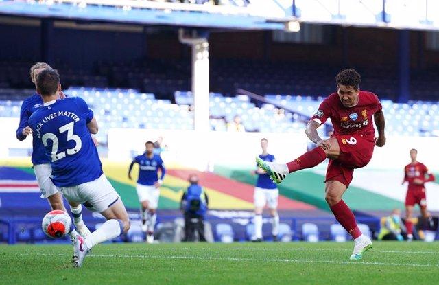 Fútbol/Premier.- (Previa) El Liverpool mira a Stamford Bridge para alzar la Prem