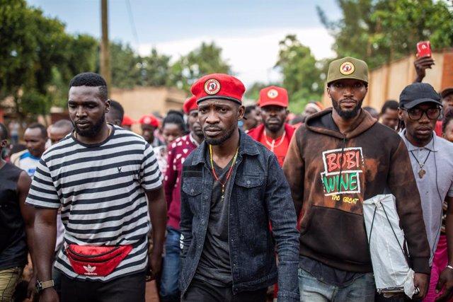 Uganda.- El opositor Bobi Wine asegura que mantendrá los actos de campaña pese a