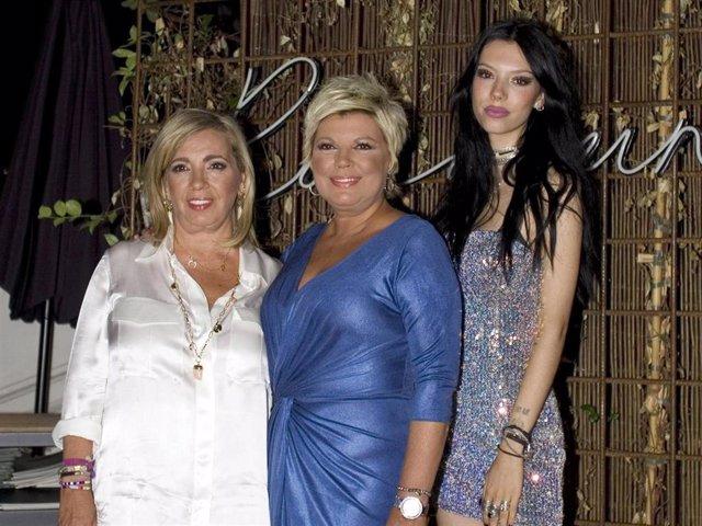 Terelu Campos, Carmen Borrego y Alejandra Rubio posan unidas y sonrientes en una celebración familiar